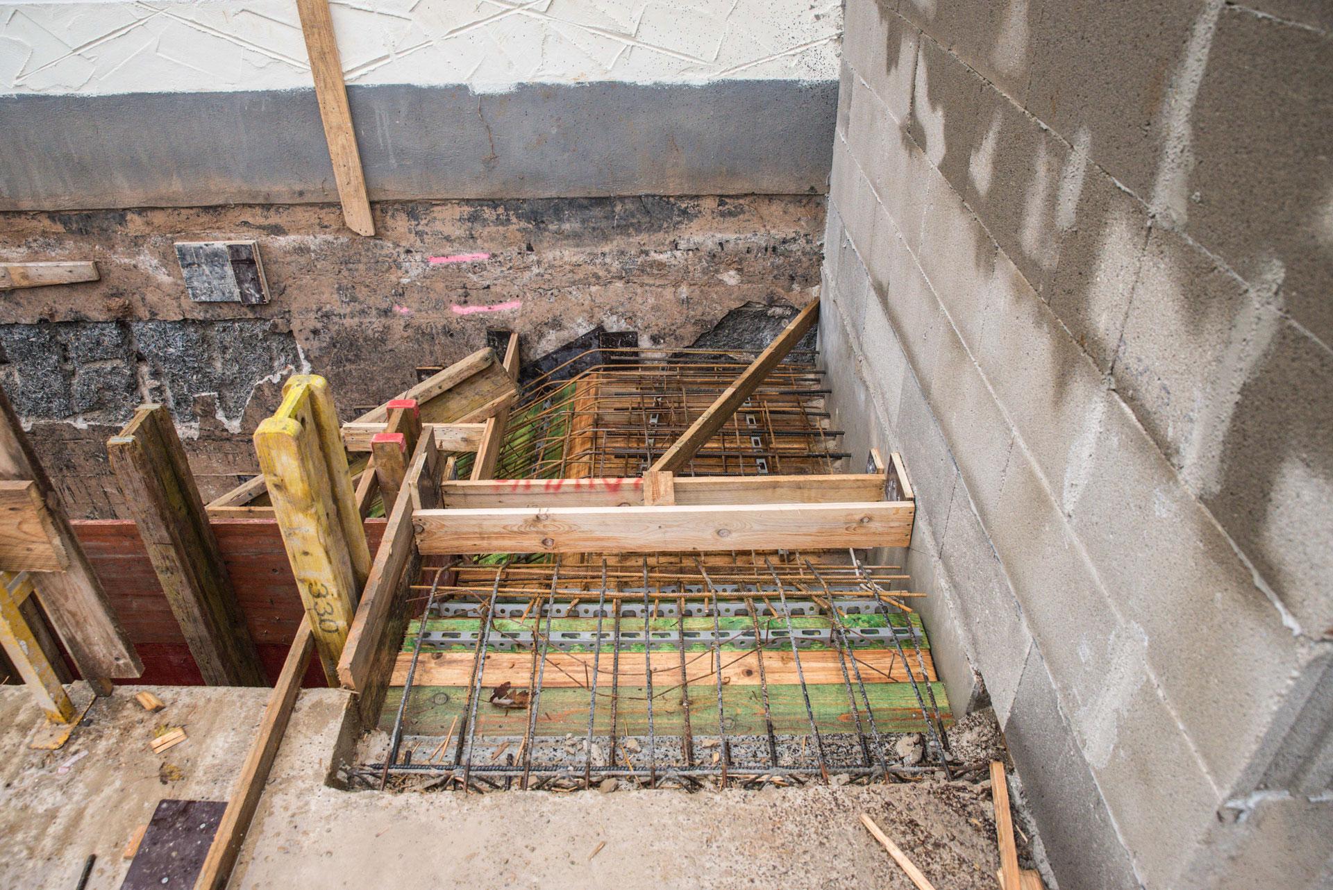 treppe betonieren bild erstmal einen schalung bauen das. Black Bedroom Furniture Sets. Home Design Ideas
